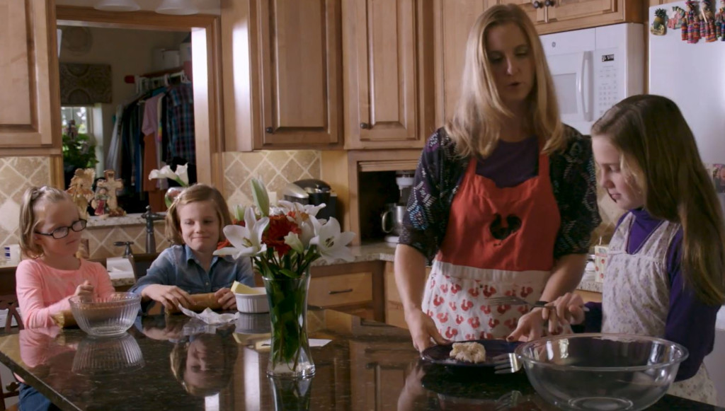 Video preview of Dacie and Carlie in the kitchen with their mom.
